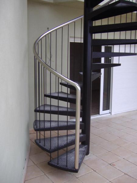 Valero Metalgrup escaleras en hierro inoxidable